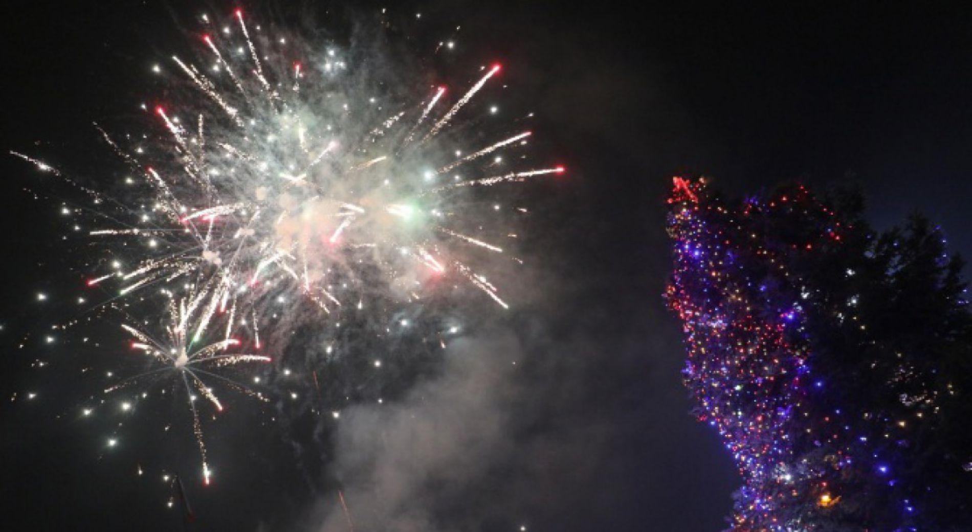 Новогодишен концерт, лазерно шоу и ледени скулптури във Варна