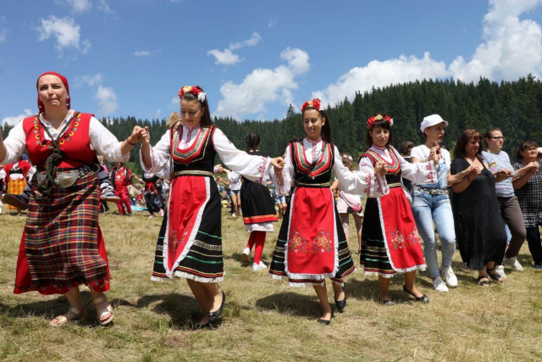 Над 200 000 души присъстваха на срещите на Рожен в България