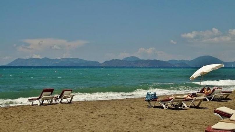Плаж близо до комплекс Оазис в Равда България