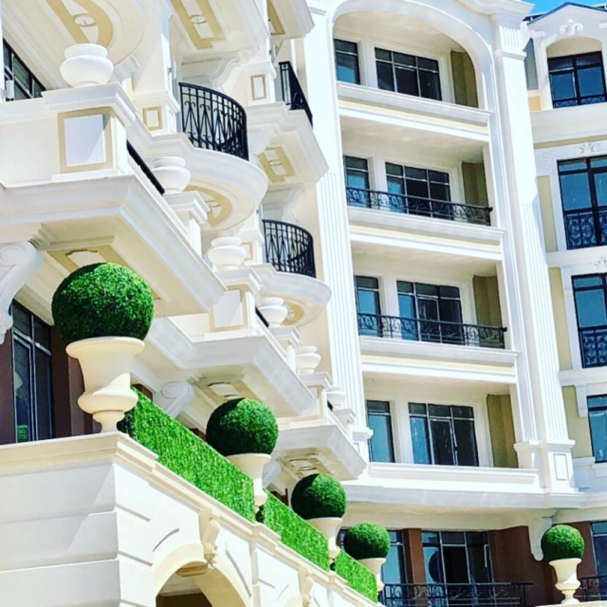 Тристайни апартаменти в Романс Париж комплекс Свети Влас България