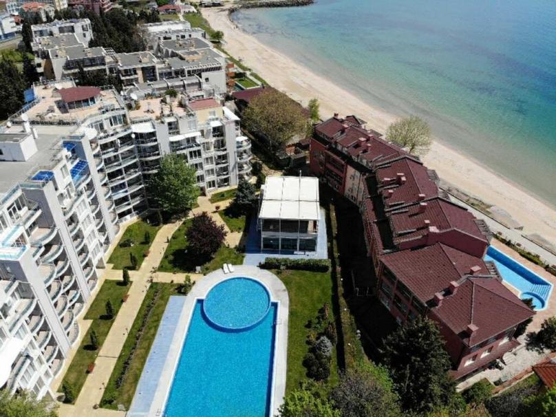 Комплекс Оазис-Ключове до морето в Равда България